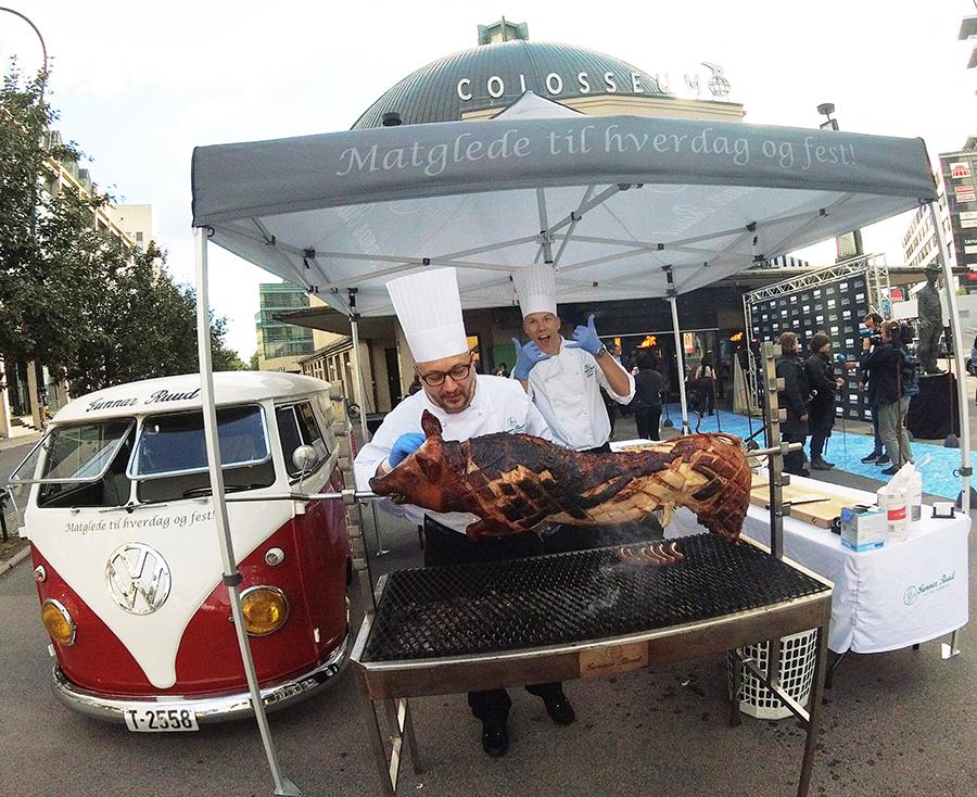 Grillkokker, grill og gris